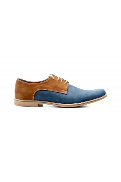 Hellrot-blaue Schuhe